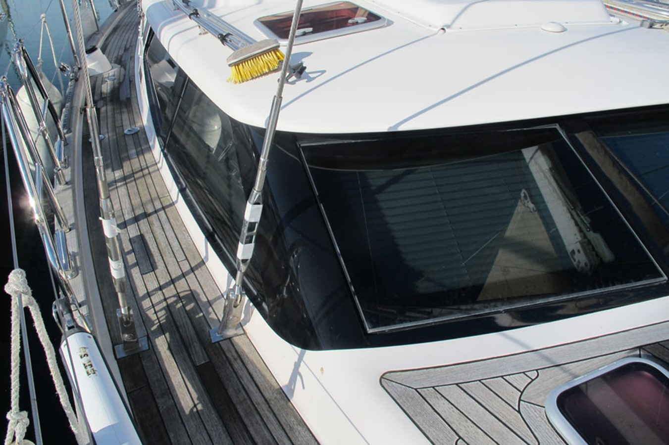 2010 DISCOVERY Discovery 55 Cruising Sailboat 2541399