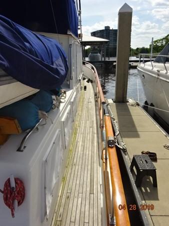 1985 GRAND BANKS 2 staeroom classic Trawler 2542387