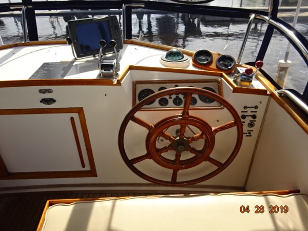 1985 GRAND BANKS 2 staeroom classic Trawler 2542393