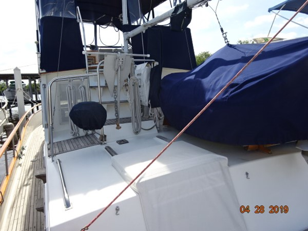 1985 GRAND BANKS 2 staeroom classic Trawler 2542398