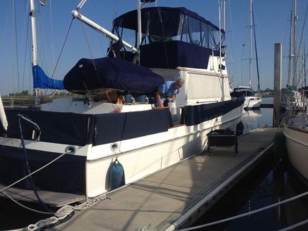 1985 GRAND BANKS 2 staeroom classic Trawler 2542405
