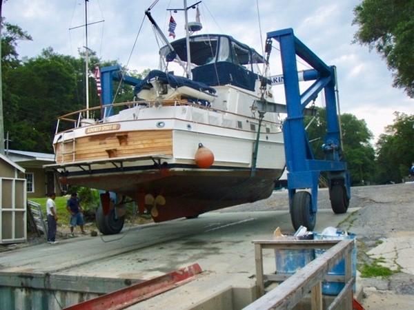 1985 GRAND BANKS 2 staeroom classic Trawler 2542437