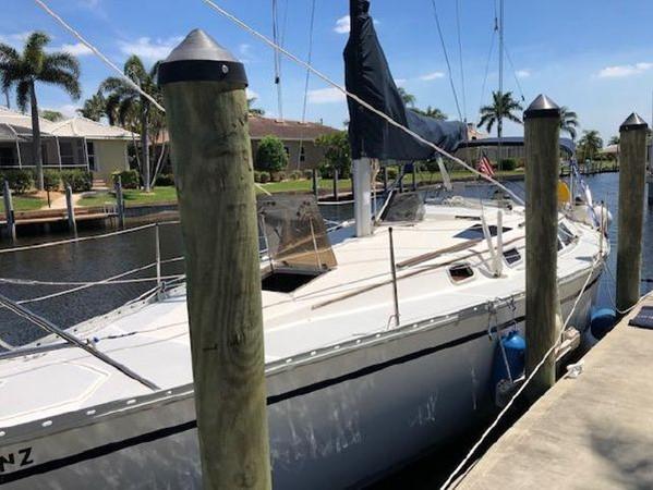 1989 HUNTER 35.5 Classic Yacht 2543460
