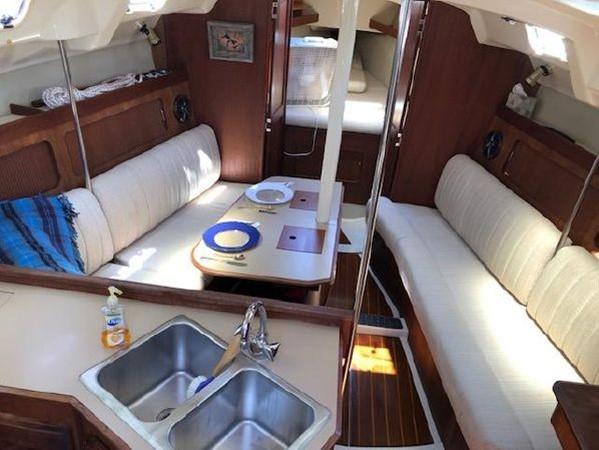 1989 HUNTER 35.5 Classic Yacht 2543499