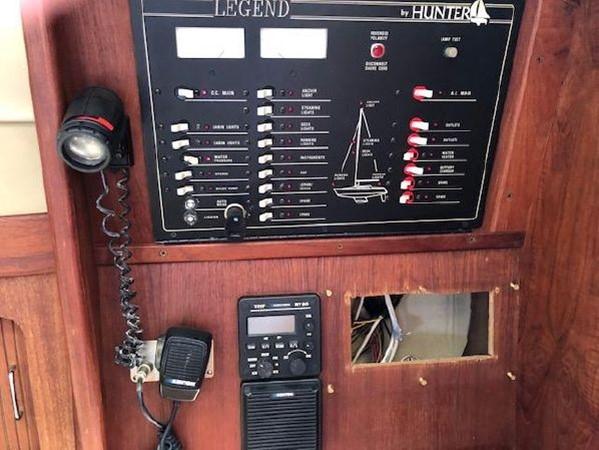 1989 HUNTER 35.5 Classic Yacht 2543500
