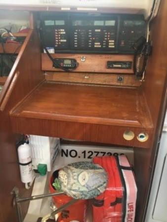 1988 HUNTER  Aft Cockpit 2543792