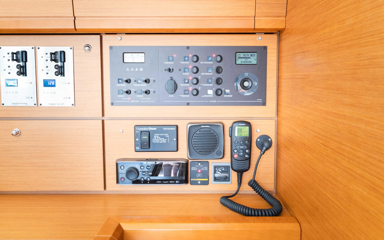 90 2017 JEANNEAU 54 Cruising Sailboat 2702750