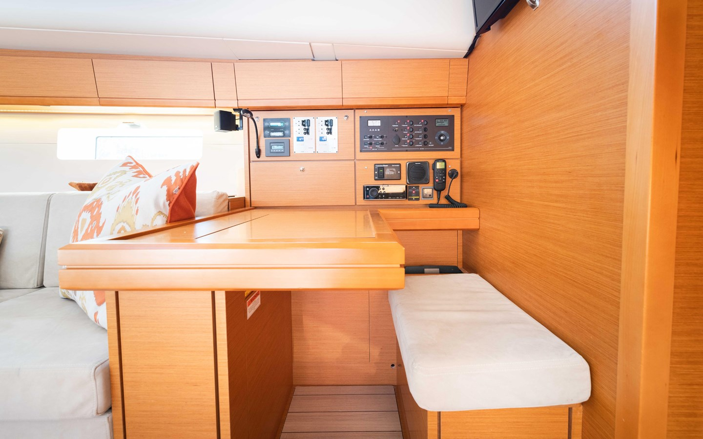 91 2017 JEANNEAU 54 Cruising Sailboat 2702751