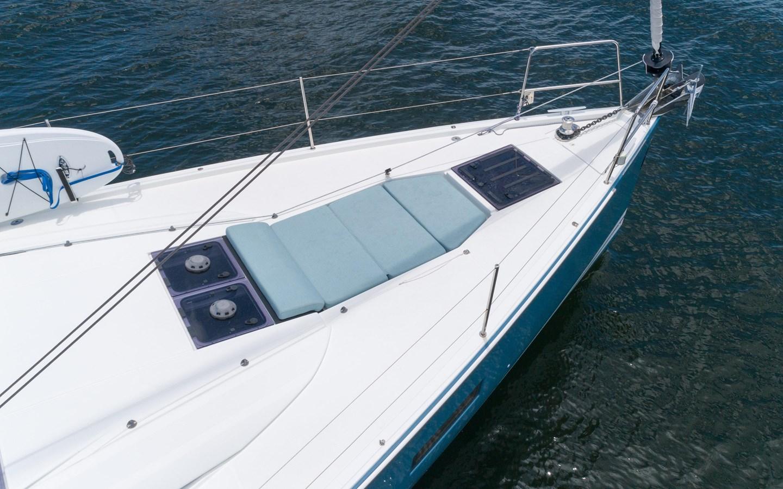 100 2017 JEANNEAU 54 Cruising Sailboat 2702760