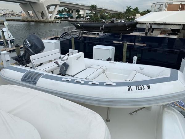 Tender 2002 LAZZARA Skylounge Motor Yacht 2563932