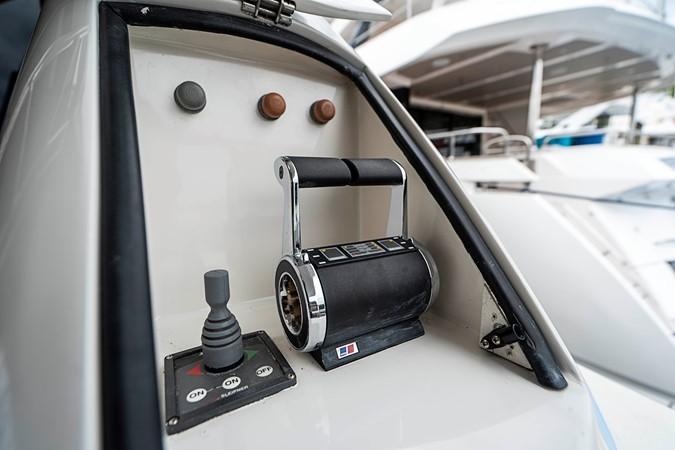 Aft Deck / Starboard Control Station 2002 LAZZARA Skylounge Motor Yacht 2563936