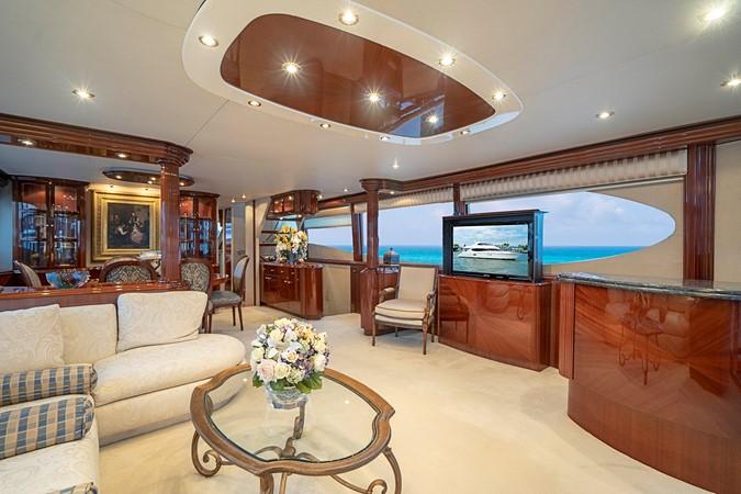 Grand Main Salon 2002 LAZZARA Skylounge Motor Yacht 2563950