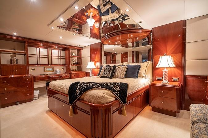 Master Stateroom 2002 LAZZARA Skylounge Motor Yacht 2563965