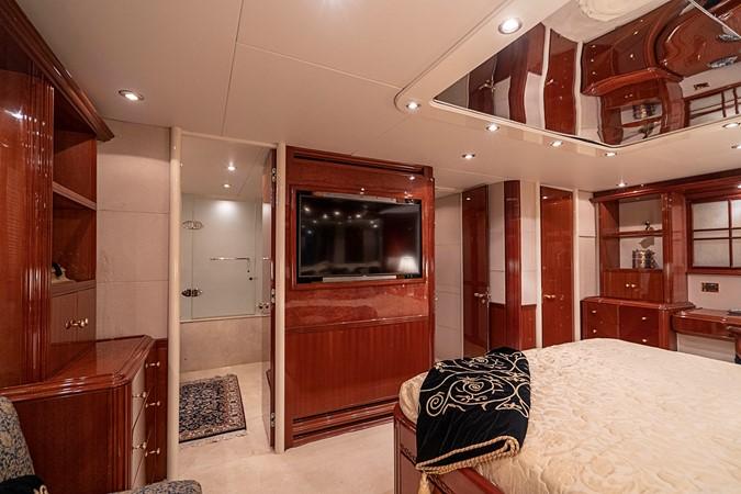 Master Stateroom 2002 LAZZARA Skylounge Motor Yacht 2563967