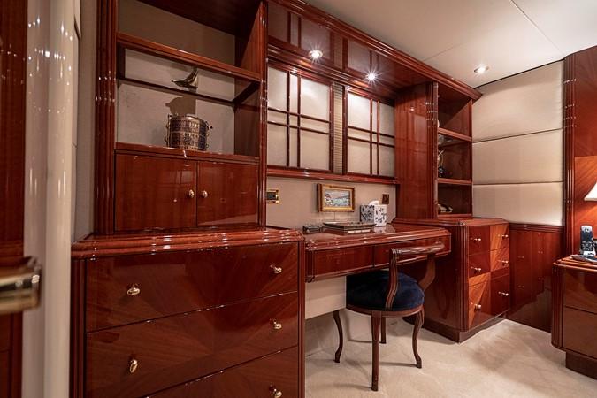 Master Stateroom Desk / Vanity 2002 LAZZARA Skylounge Motor Yacht 2563969
