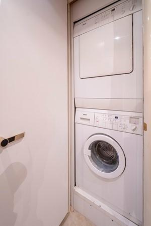 Crew Washer / Dryer 2002 LAZZARA Skylounge Motor Yacht 2563986