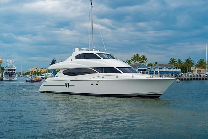 Side Profile 2002 LAZZARA Skylounge Motor Yacht 2564154