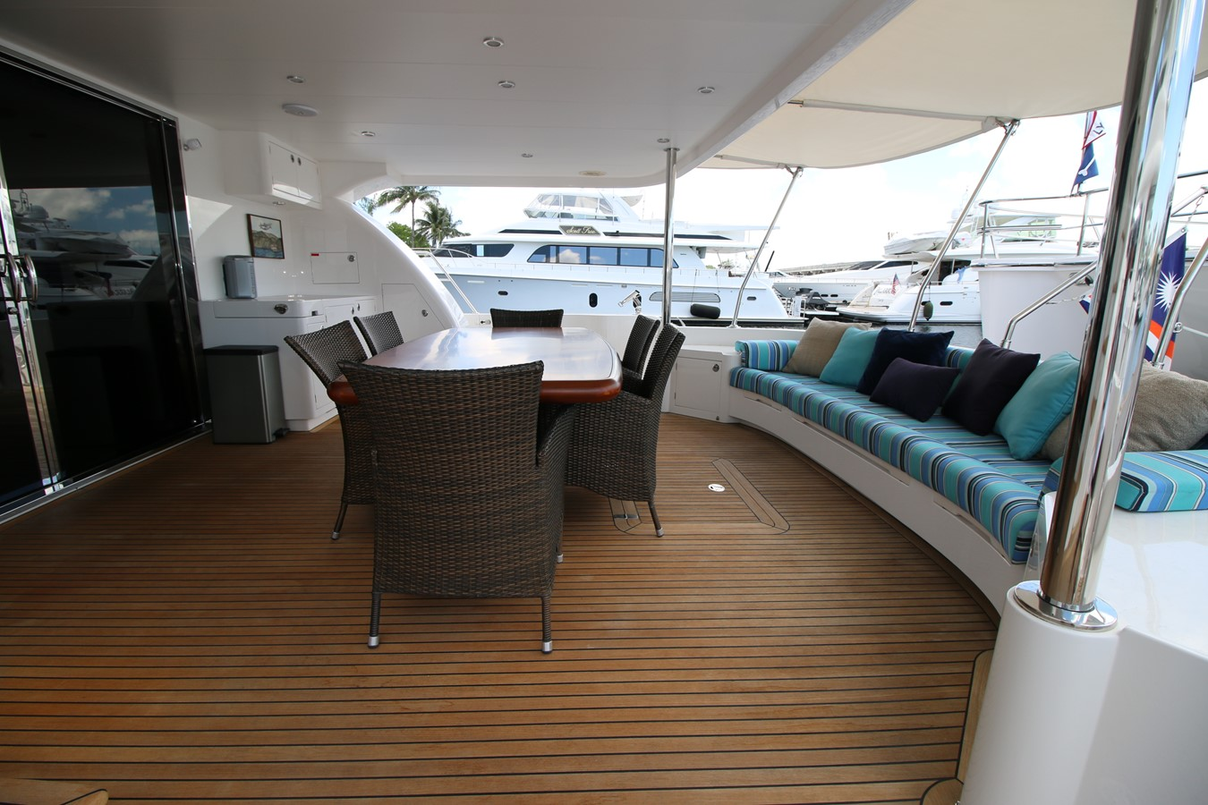 AFT DECK 2014 HORIZON PC60 SKYLOUNGE Catamaran 2547227