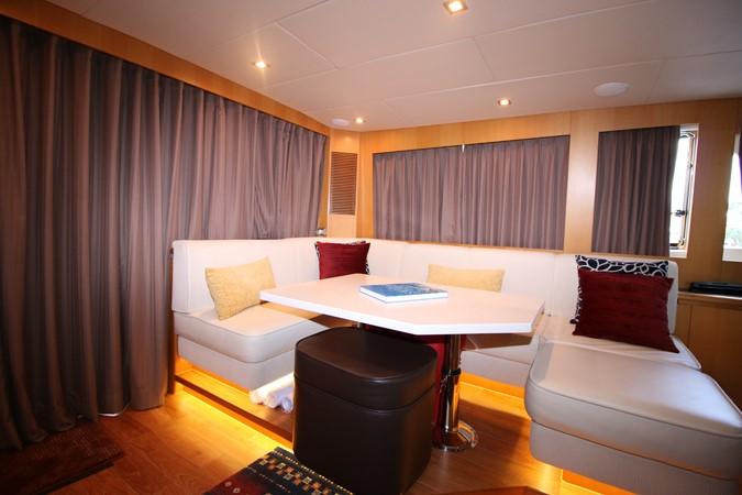 ENCLOSED BRIDGE SETTE 2014 HORIZON PC60 SKYLOUNGE Catamaran 2547249