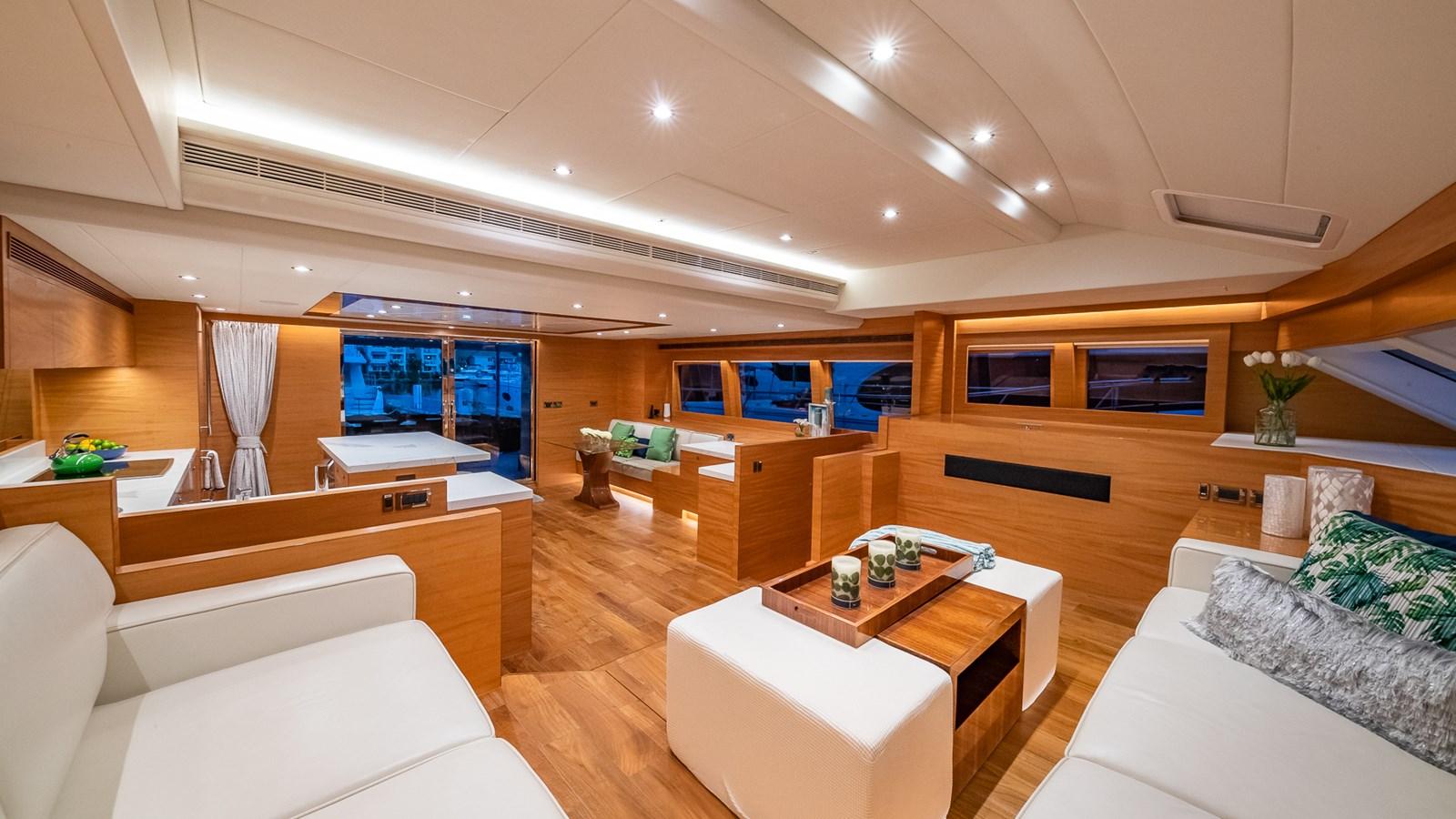 SALON LOOKING AFT 2018 HORIZON 60 PC Open Floorplan Catamaran 2825800