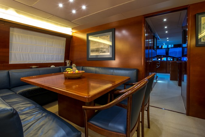 dining-to-bridge 2010 CANTIERE NAVALI  Motor Yacht 2547940