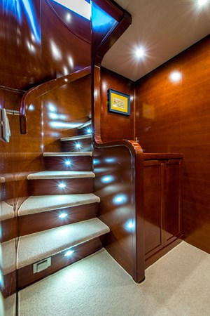 staircase 2010 CANTIERE NAVALI  Motor Yacht 2547942
