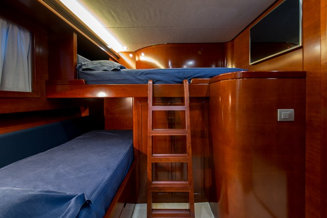 twin-bunkbeds2 2010 CANTIERE NAVALI  Motor Yacht 2547949