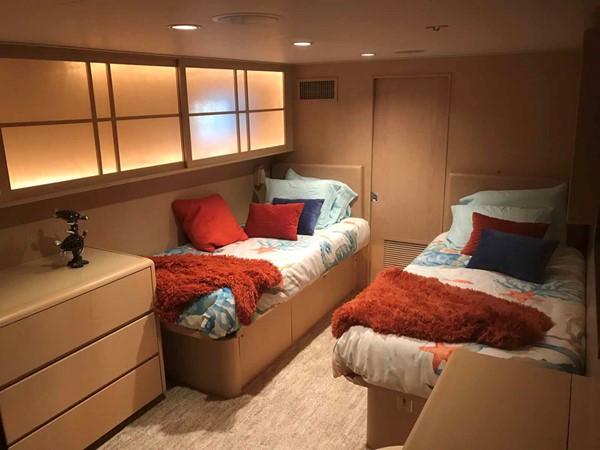 Starboard Twin Cabin 1990 BROWARD Custom Extended Motor Yacht 2546475