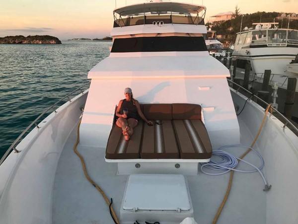 Bow Sun Lounge 1990 BROWARD Custom Extended Motor Yacht 2546482