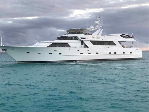 Alternate Profile 1990 BROWARD Custom Extended Motor Yacht 2546523