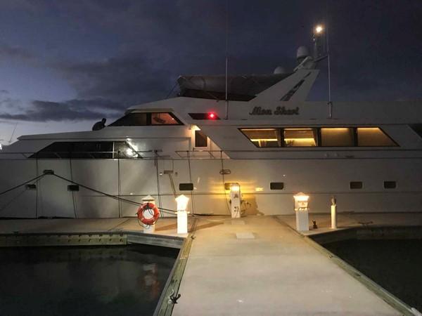 Evening 1990 BROWARD Custom Extended Motor Yacht 2546524