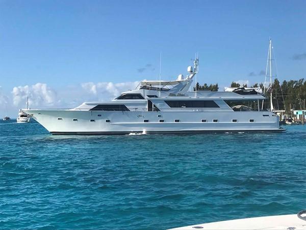 Alternate Profile 1990 BROWARD Custom Extended Motor Yacht 2546525
