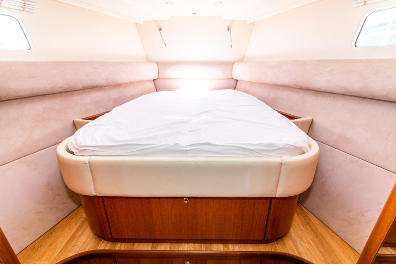 2012 DISCOVERY Discovery 57 Cruising Sailboat 2546343