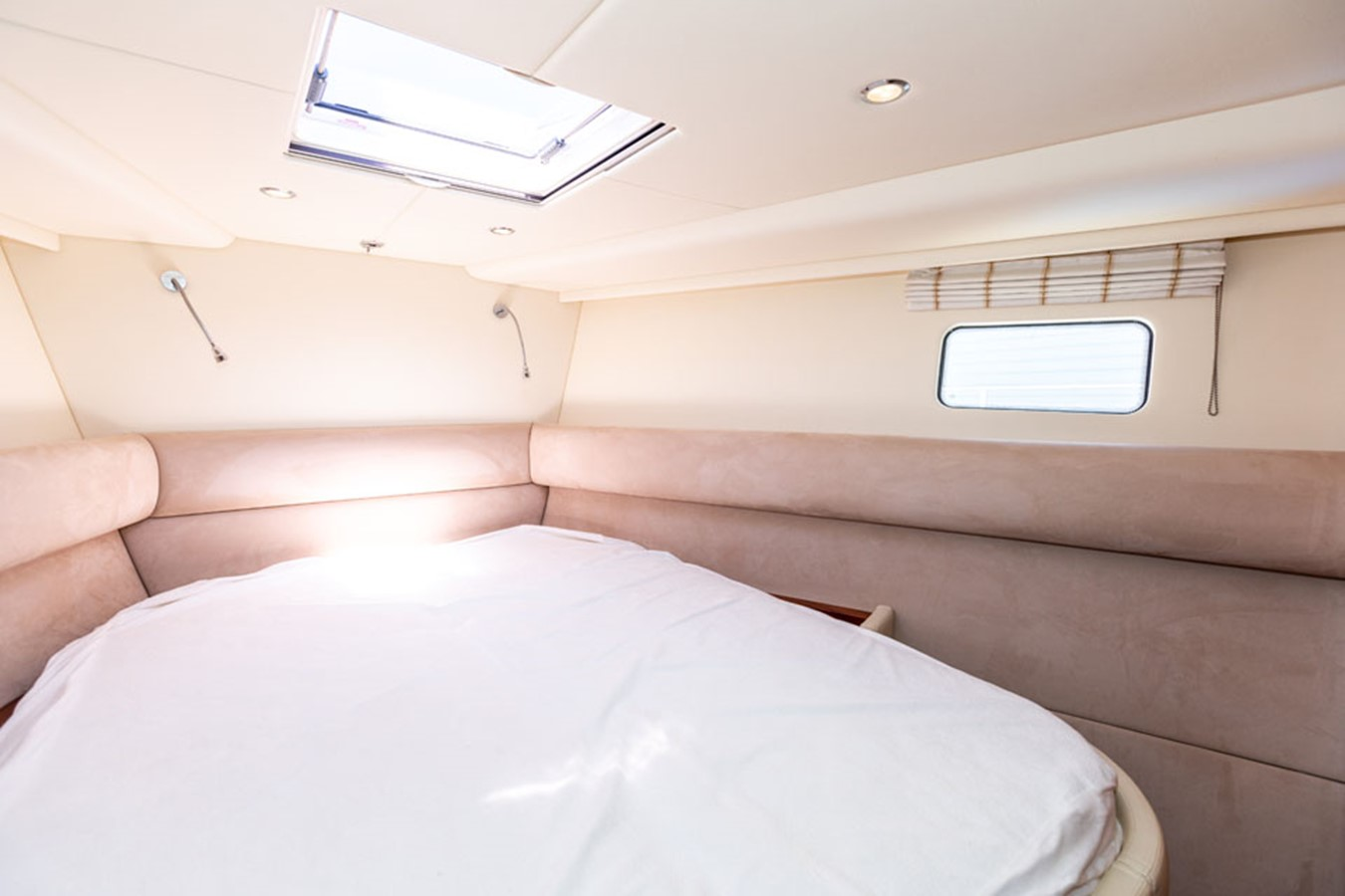 2012 DISCOVERY Discovery 57 Cruising Sailboat 2546344