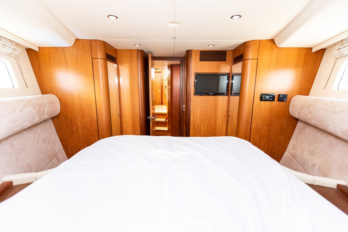 2012 DISCOVERY Discovery 57 Cruising Sailboat 2546346