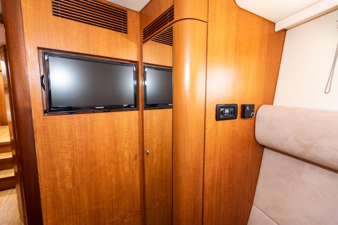 2012 DISCOVERY Discovery 57 Cruising Sailboat 2546347