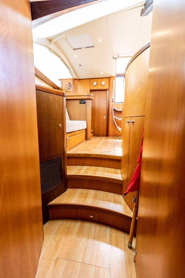 2012 DISCOVERY Discovery 57 Cruising Sailboat 2546349