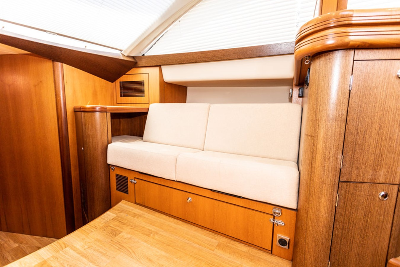 2012 DISCOVERY Discovery 57 Cruising Sailboat 2546356