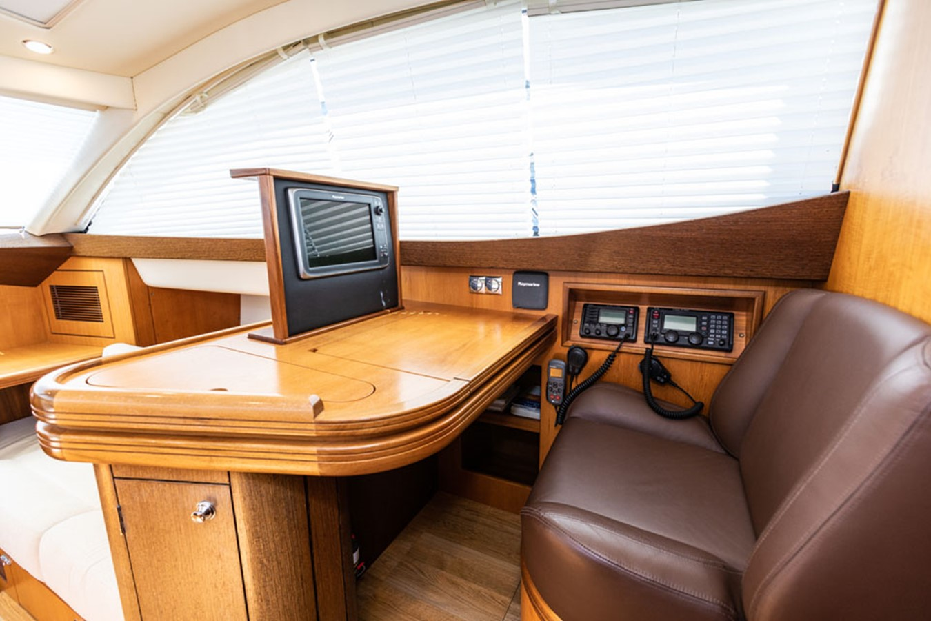 2012 DISCOVERY Discovery 57 Cruising Sailboat 2546361