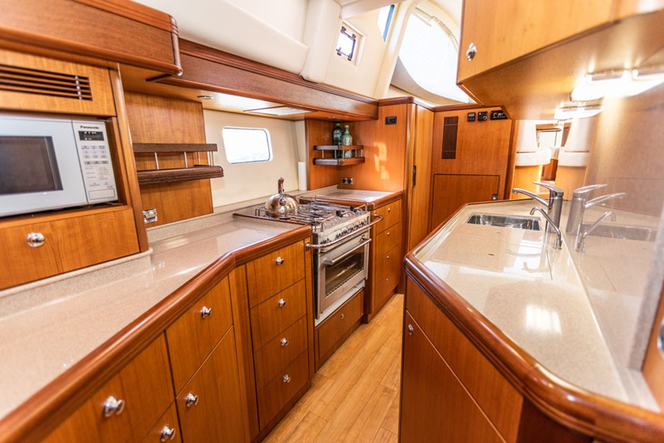 2012 DISCOVERY Discovery 57 Cruising Sailboat 2546365