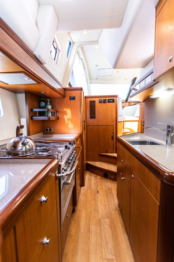 2012 DISCOVERY Discovery 57 Cruising Sailboat 2546366