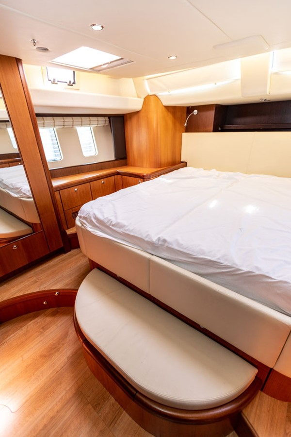 2012 DISCOVERY Discovery 57 Cruising Sailboat 2546368