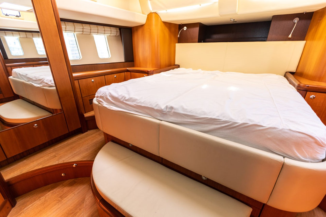 2012 DISCOVERY Discovery 57 Cruising Sailboat 2546370