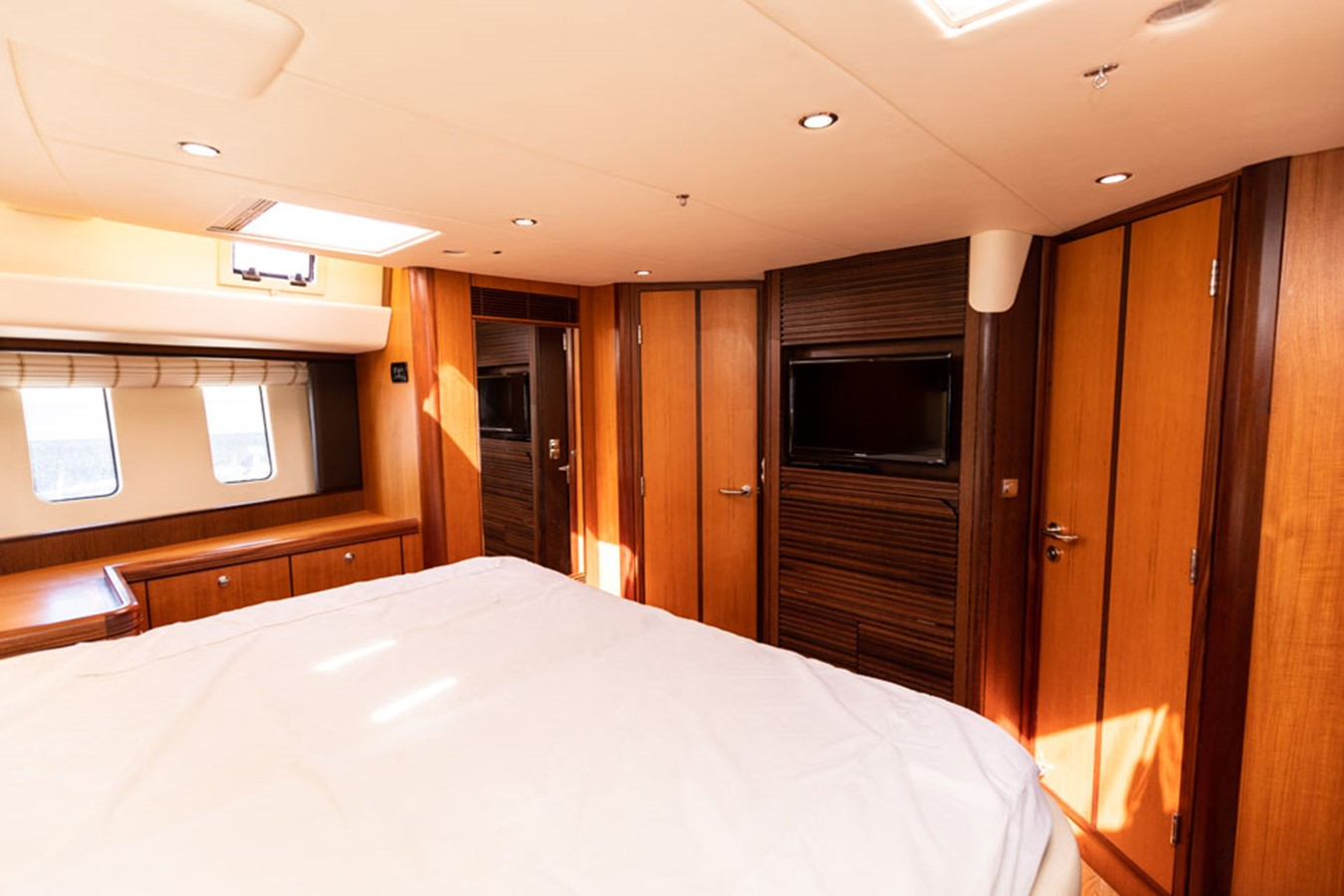 2012 DISCOVERY Discovery 57 Cruising Sailboat 2546371