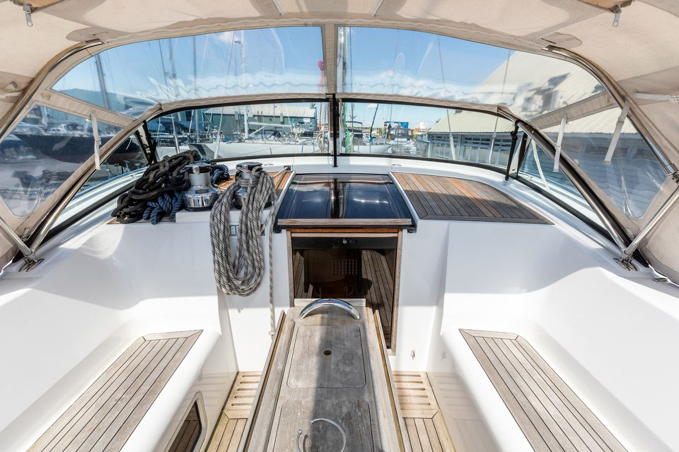 2012 DISCOVERY Discovery 57 Cruising Sailboat 2546389