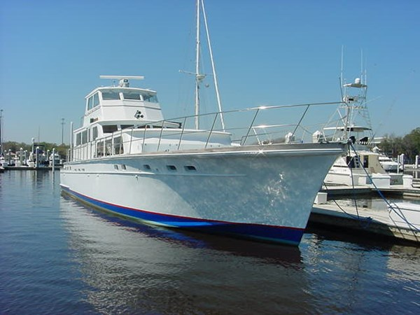 At Dock 1980 HUCKINS  Motor Yacht 2802400