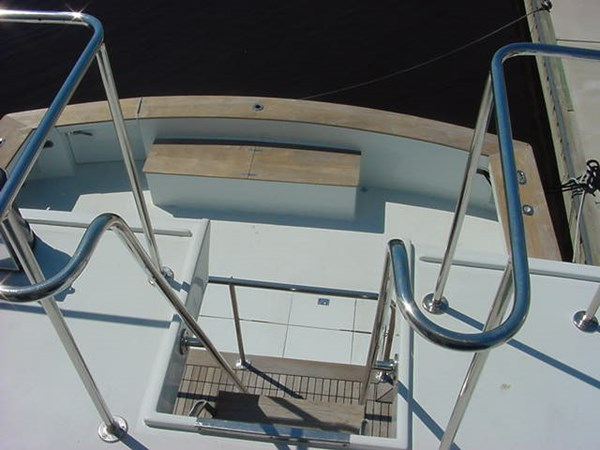 Bridge Access 1980 HUCKINS  Motor Yacht 2802407