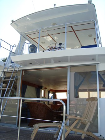 Bridge View from Aft Deck 1980 HUCKINS  Motor Yacht 2802411