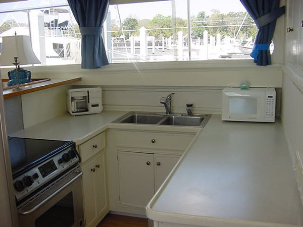 Galley (5) 1980 HUCKINS  Motor Yacht 2802417