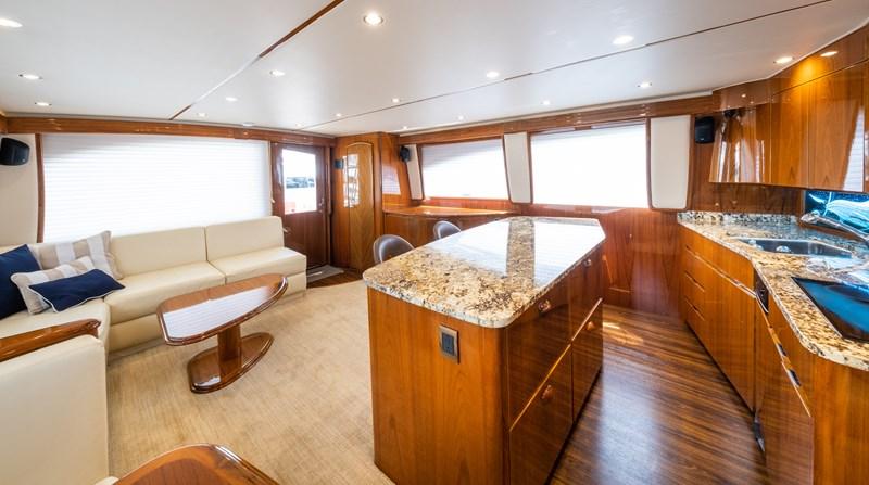 2013 VIKING 66 Convertible Sport Fisherman 2548033